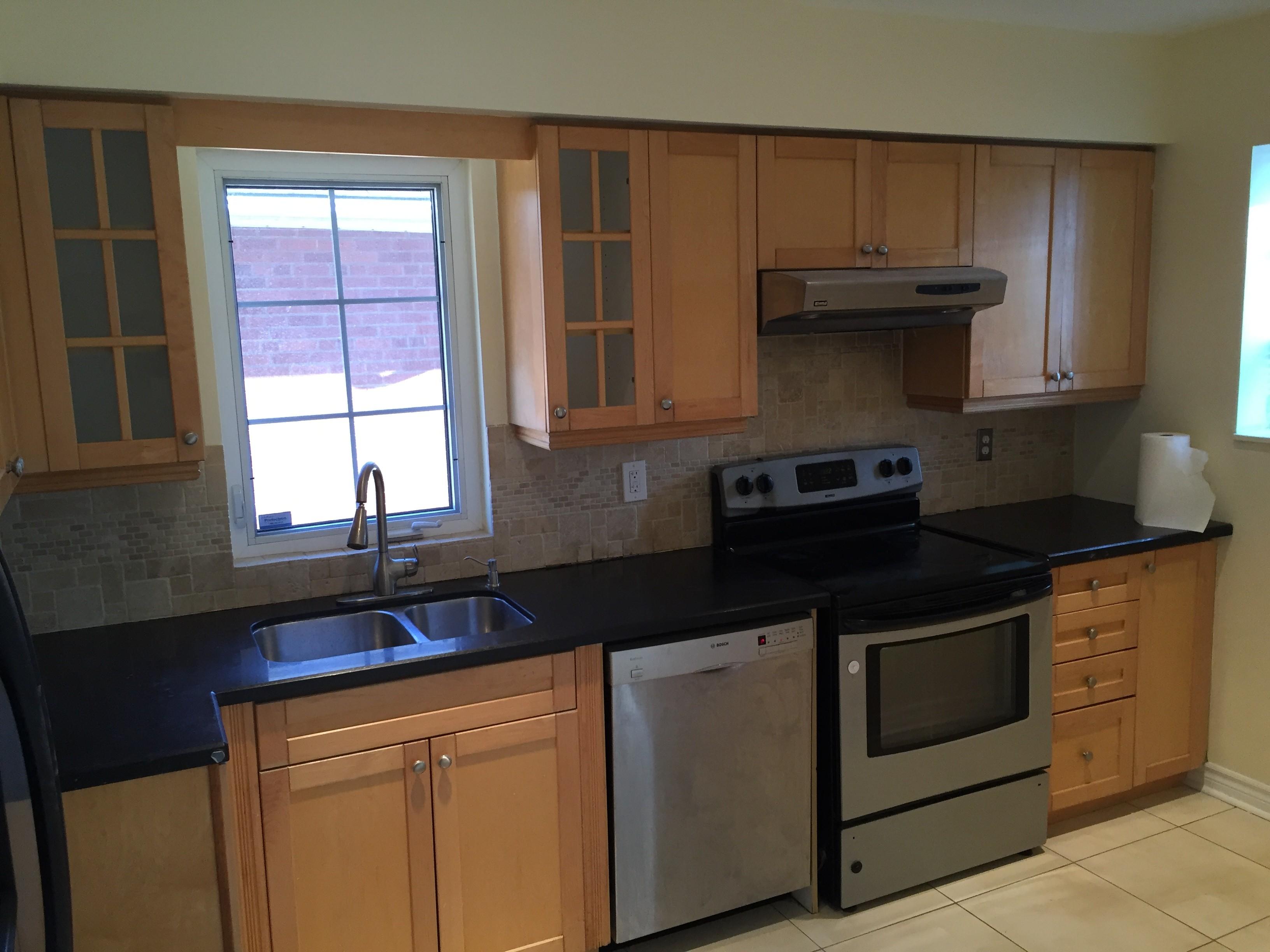 3 Sevenoaks Avenue Toronto On M8z 3p6 3 Bedroom Apartment For Rent Padmapper