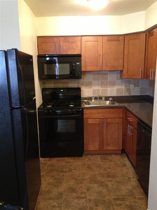 Glenwood Court Apartments · Apartments For Rent