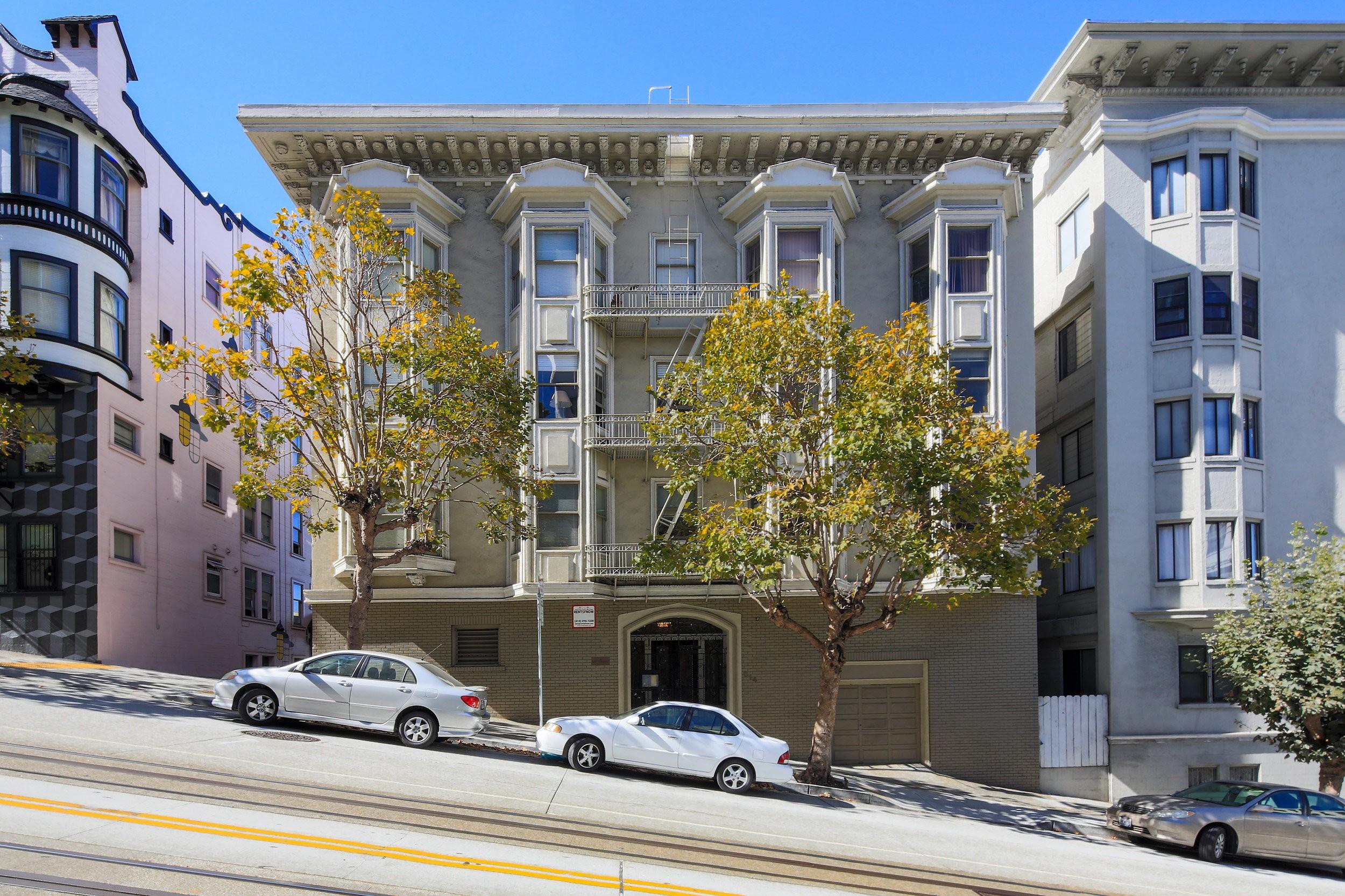 814 CALIFORNIA Apartments