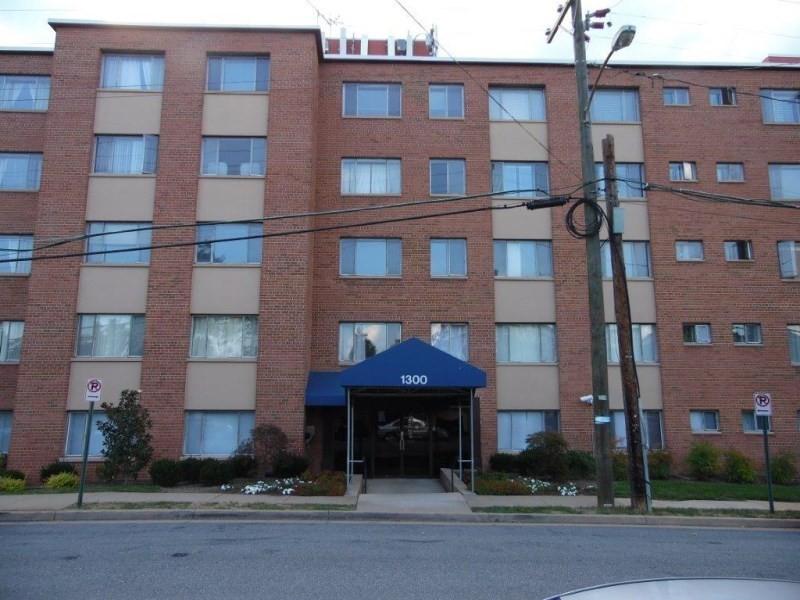 1300 S Arlington Ridge Rd Arlington Va 22202 1 Bedroom Apartment For Rent For 1 499 Month