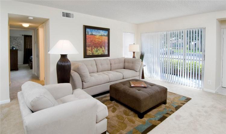 Apartments Near PBA Azalea Village for Palm Beach Atlantic University Students in West Palm Beach, FL