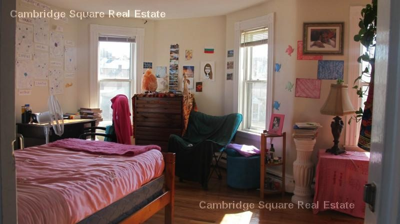 Langmaid Ave 23 Somerville Ma 02145 1 Bedroom Apartment For Rent Padmapper
