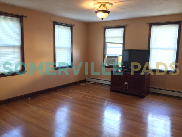 Jaques St Somerville Ma 02145 2 Bedroom Apartment For Rent Padmapper