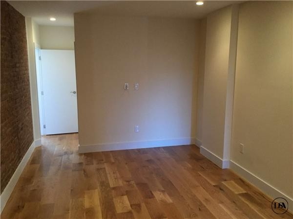 2485 Elm Pl Bronx Ny 10458 2 Bedroom Apartment For Rent Padmapper