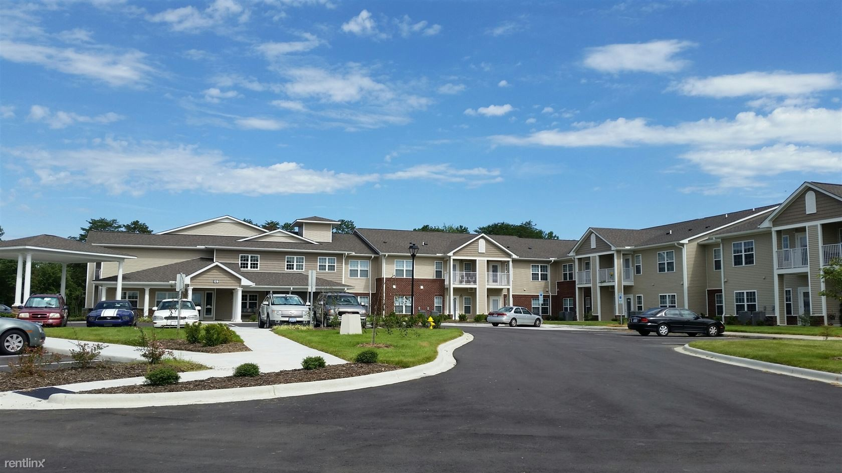 whistler's cove apartments    whistlers cove ct mount airy  -  photo of   whistlers cove ct mount airy