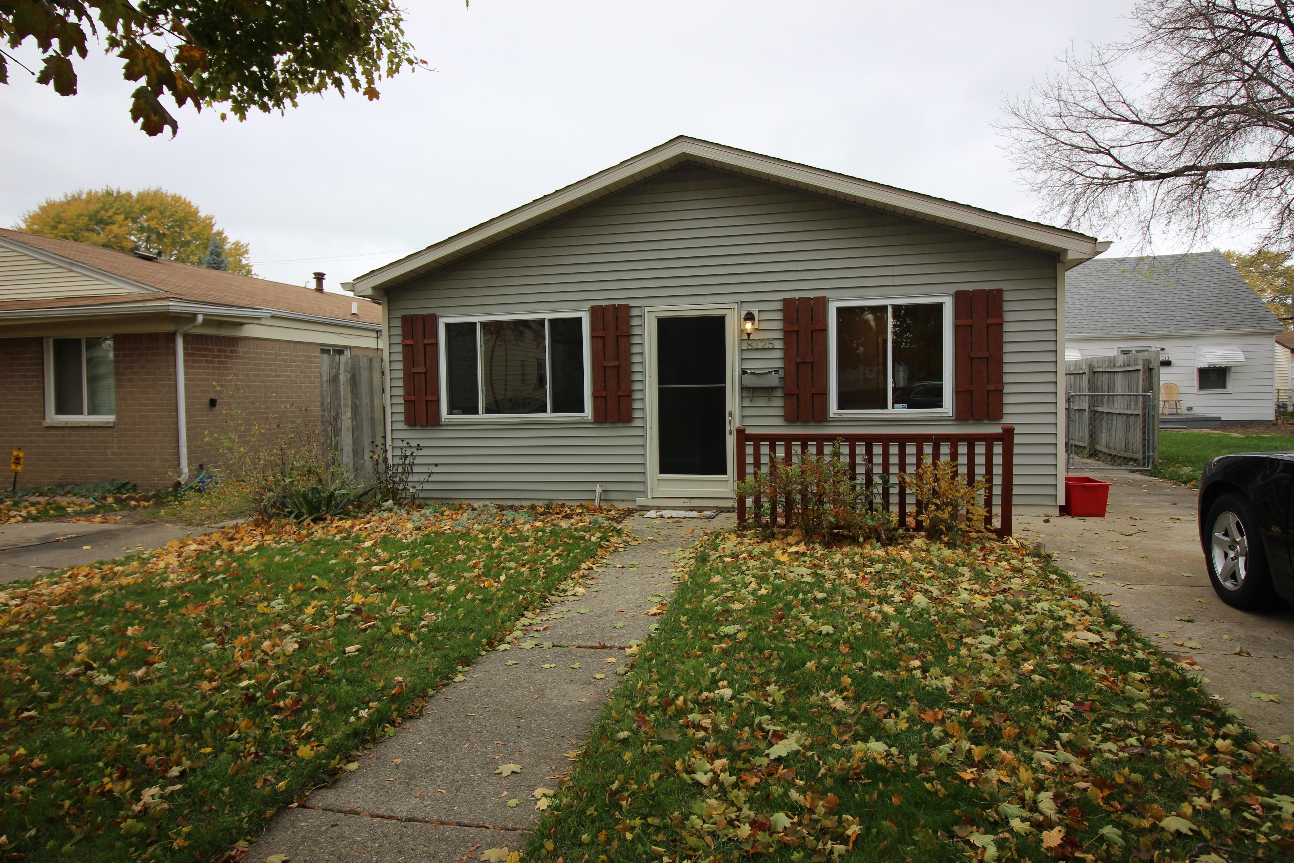 25812 Pineview Ave Warren Mi 48091 3 Bedroom Apartment For Rent Padmapper