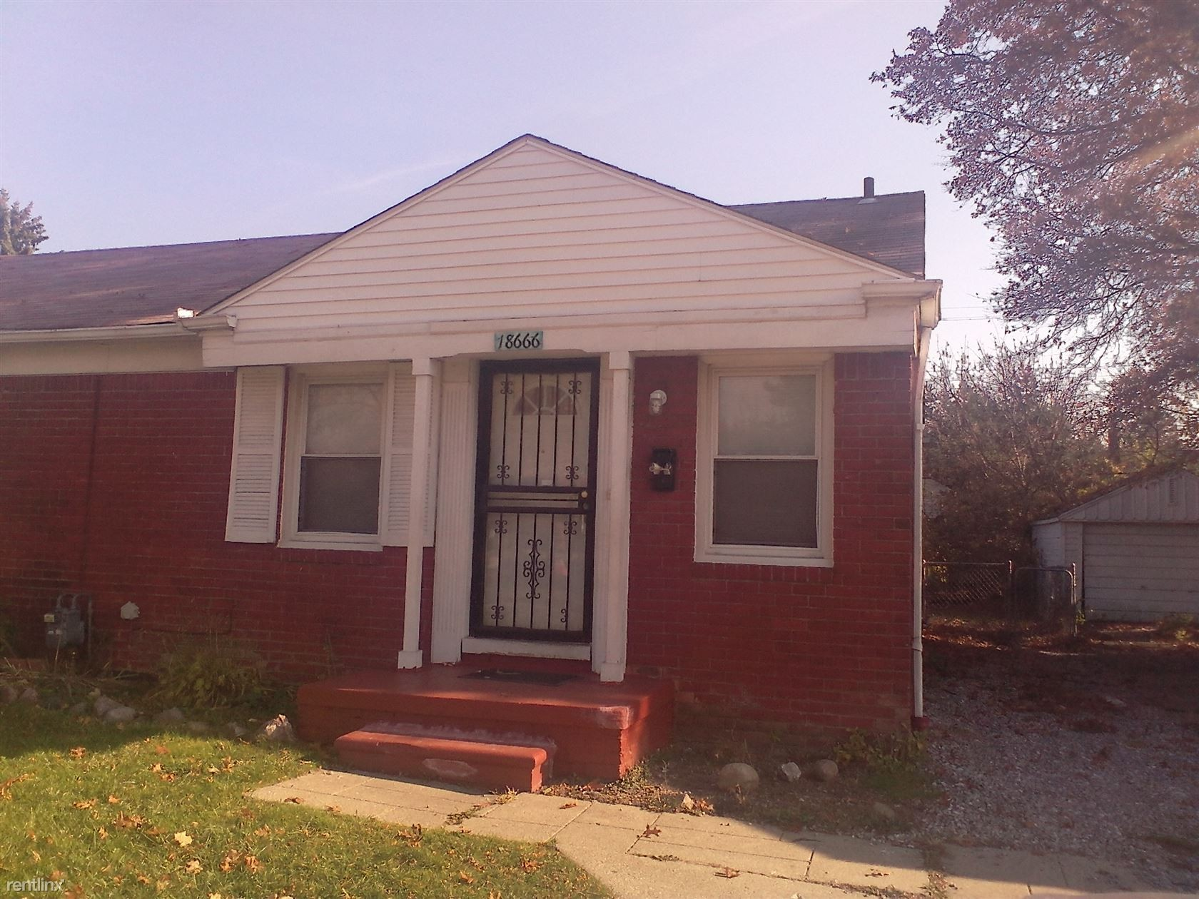 18666 18666 Kelly Rd Nice 2 Bedroom Brick Duplex Is Rady For Rent Detroit Mi 48224 2 Bedroom