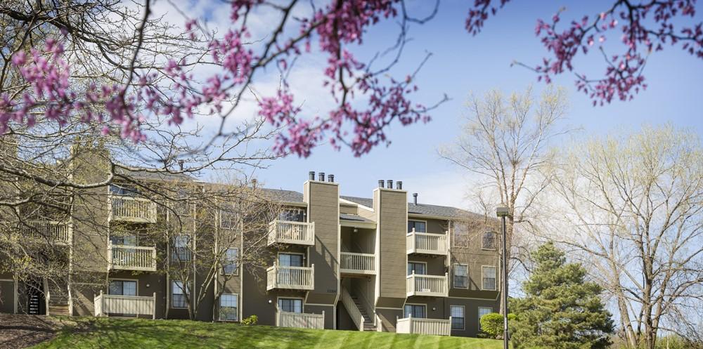 The Retreat at Woodridge Apartments