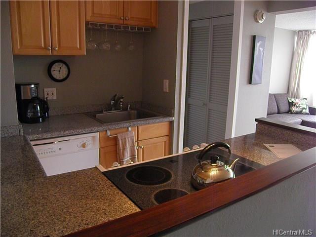 445 Seaside Ave 1221 Honolulu Hi 96815 1 Bedroom Apartment For Rent For 2 250 Month Zumper