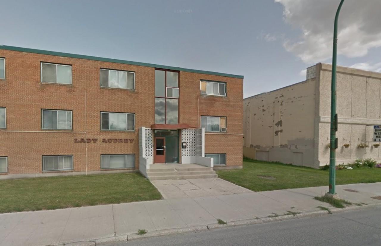 424 Osborne St Winnipeg Mb R3l 2a3 1 Bedroom Apartment