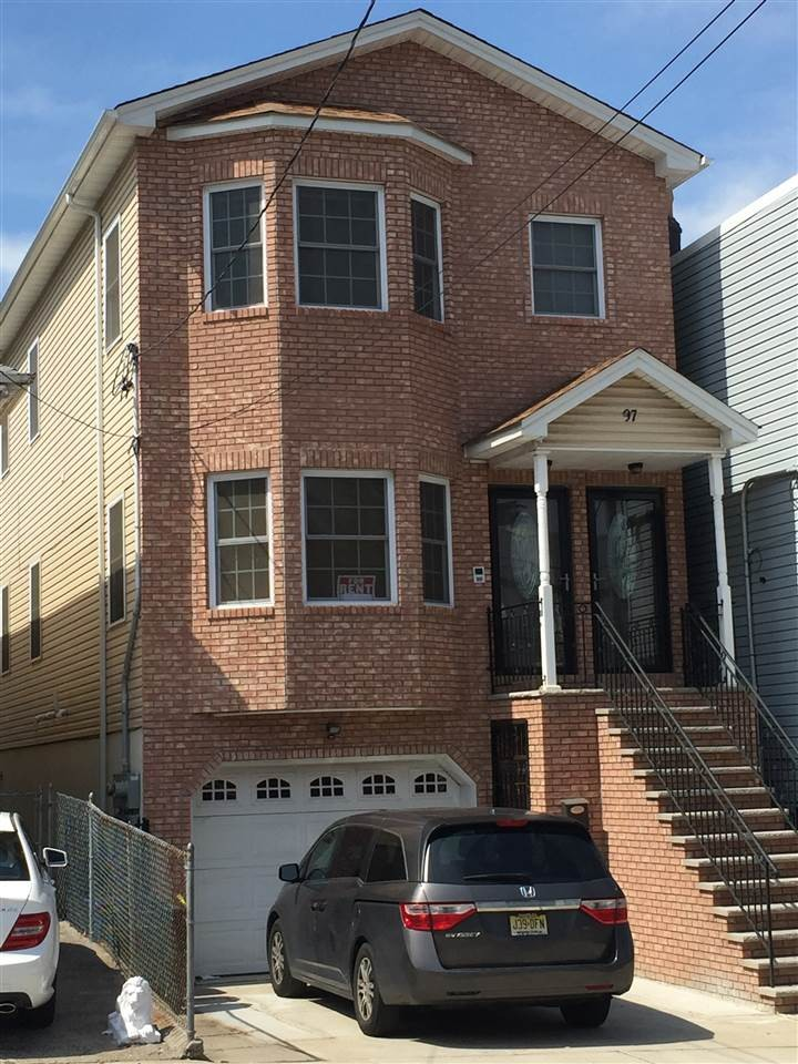 97 Beach St 1 Jersey City Nj 07307 3 Bedroom Apartment For Rent For 2 800 Month Zumper