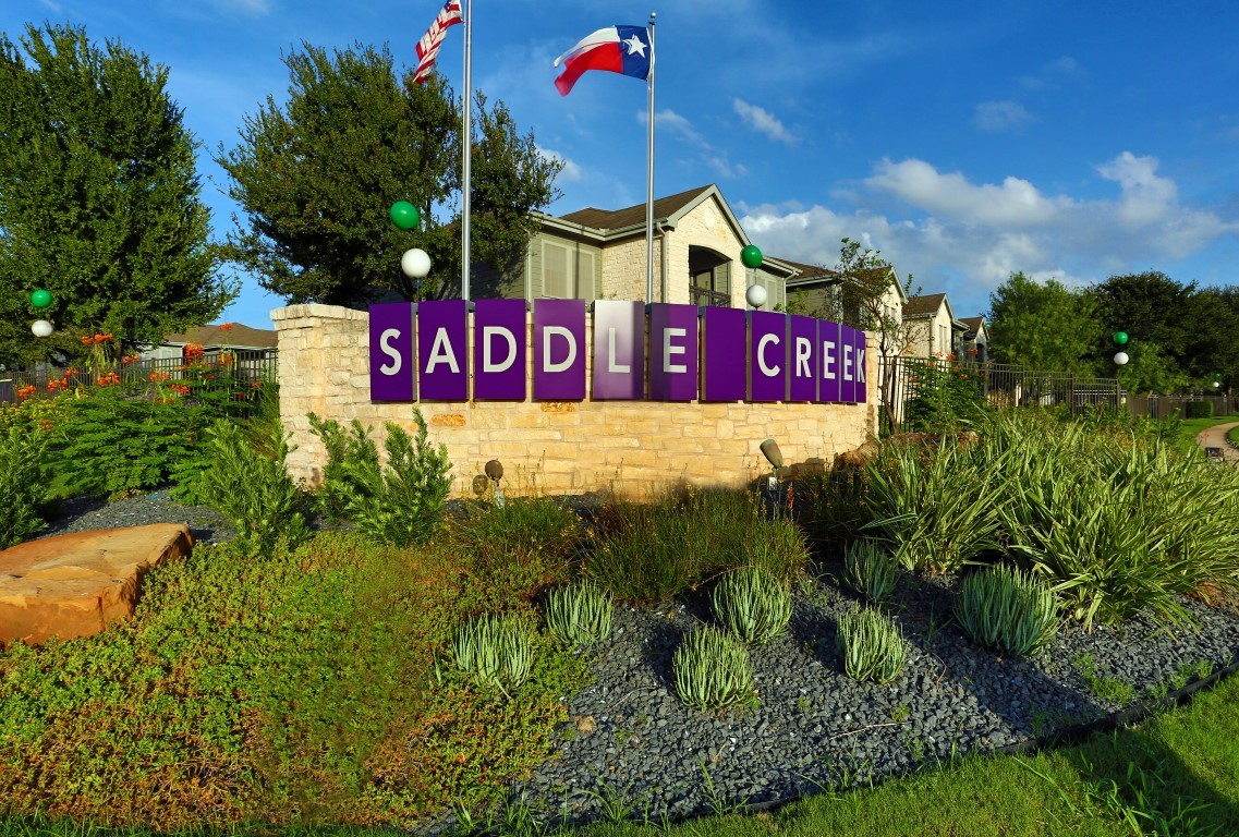 Saddle Creek Apartments