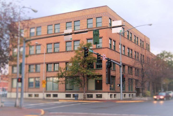 Oliver Building Loft Apartments