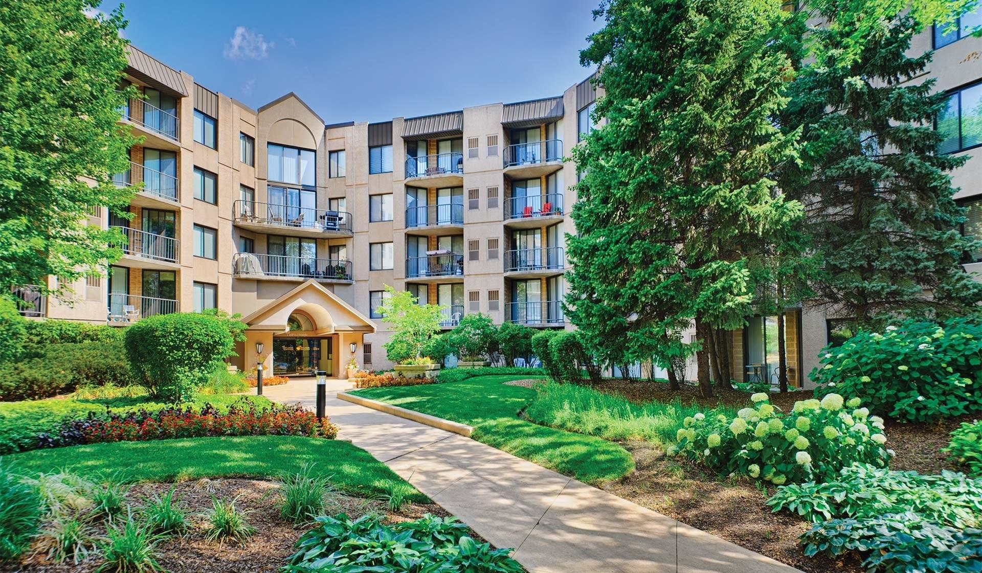 Elm Creek Apartments & Townhomes