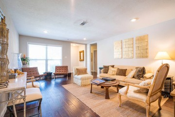 Short Stay. Private Room In Westbury, Houston