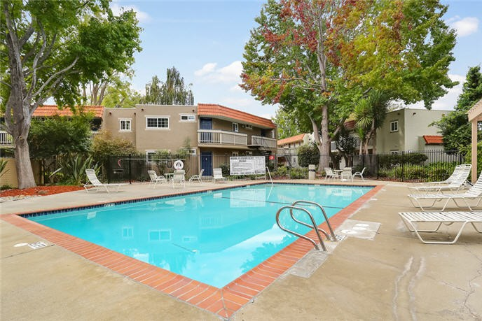 Glen Oaks Apartments rental