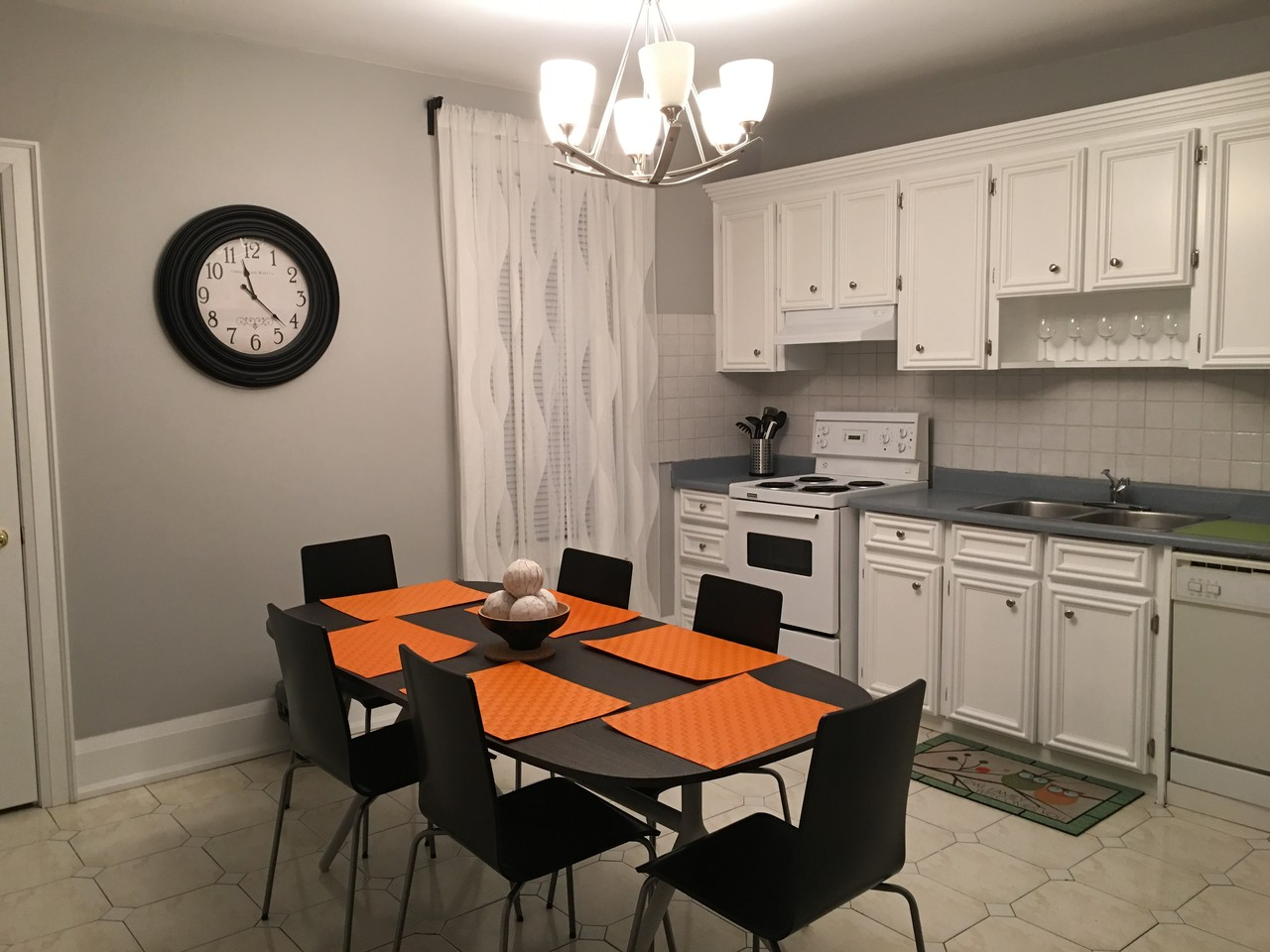 Grace toronto on m6g 3a6 3 bedroom apartment for rent padmapper for 3 bedroom apartments for rent toronto