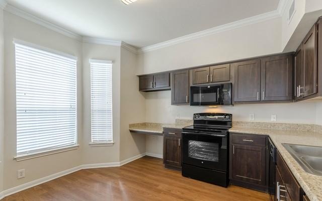 Mandolin Apartments - 10325 Cypresswood Dr, Houston, TX 77070 with ...