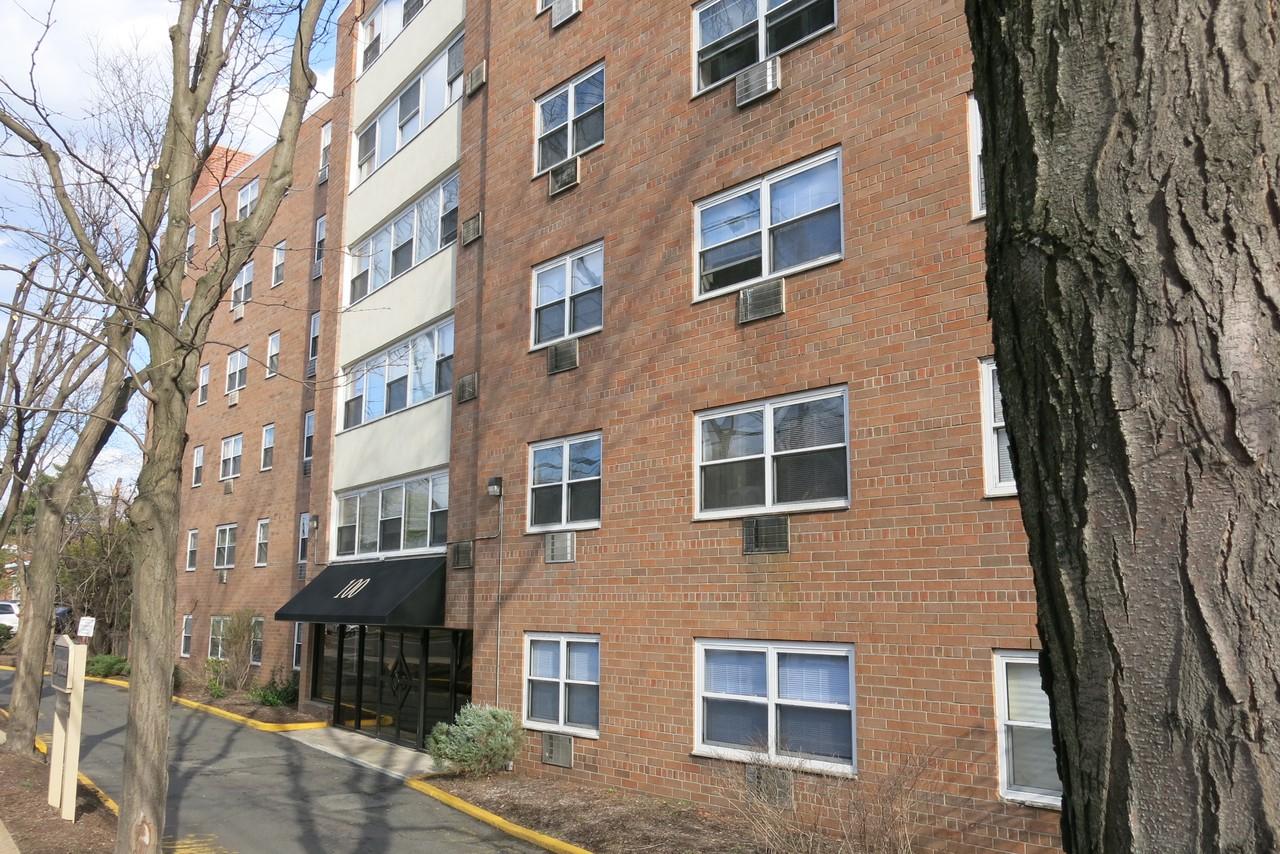100 Polifly Rd #2B, Hackensack, NJ 07601 2 Bedroom Apartment for ...