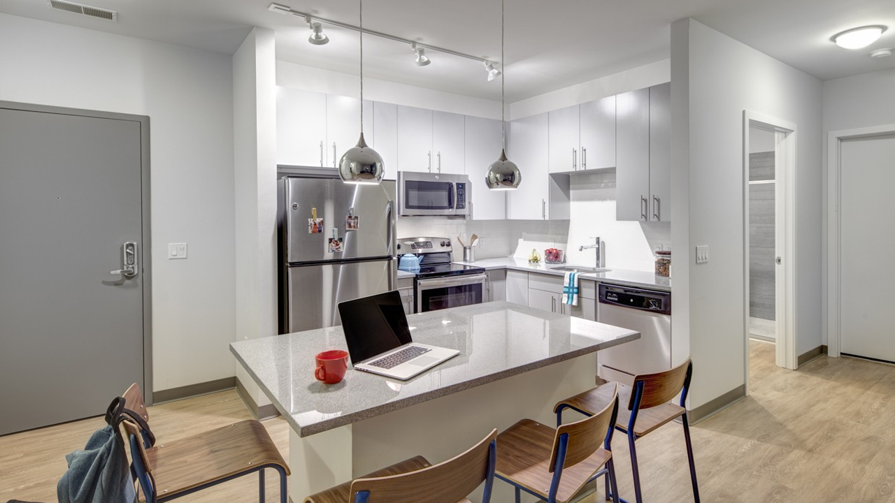 Apartments Near University of Illinois Student Housing - West Quad for University of Illinois Students in Champaign, IL