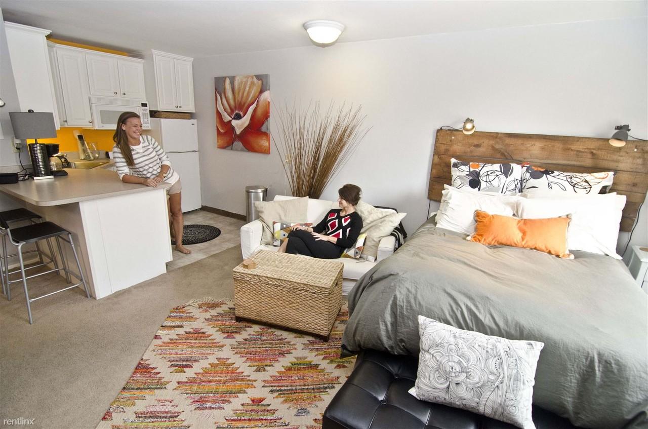 studio house apartments 223 delta st east lansing mi 48823