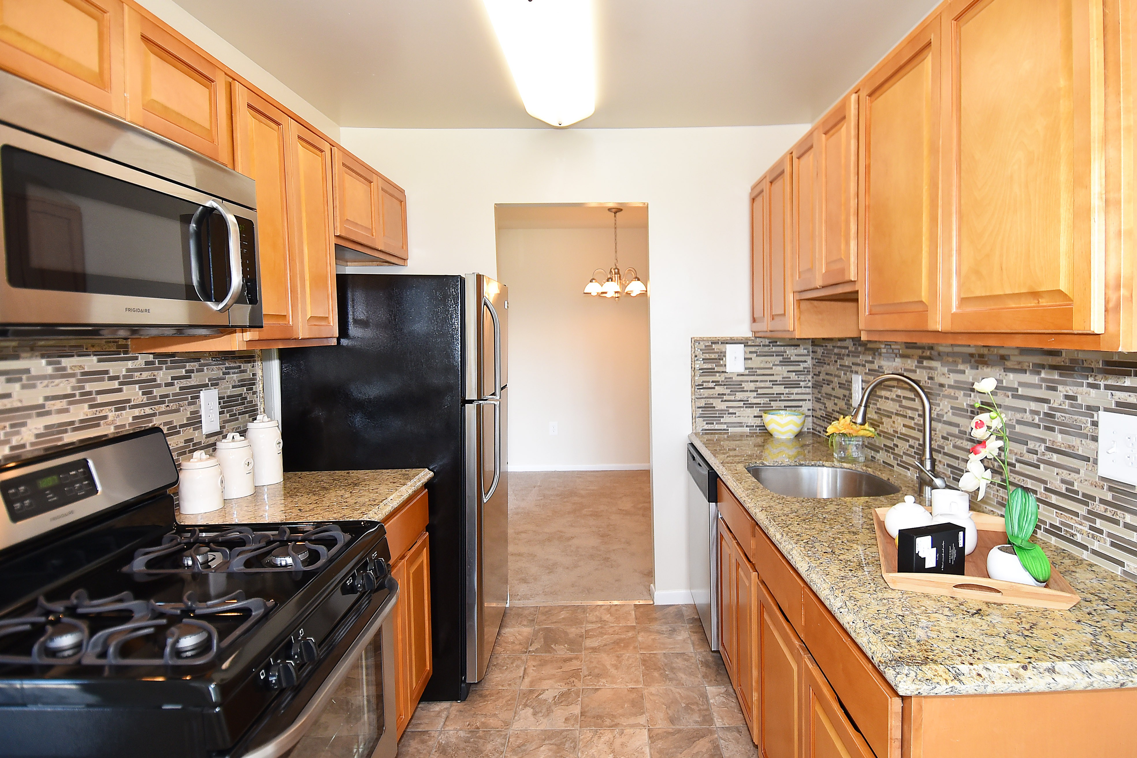 Montgomery Trace Apartment Homes photo