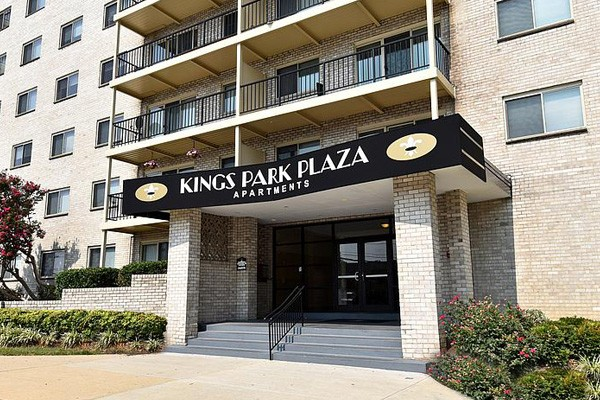 Kings Park Plaza Apartment Homes