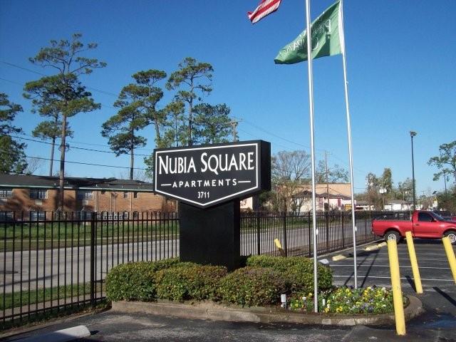 Nubia Square