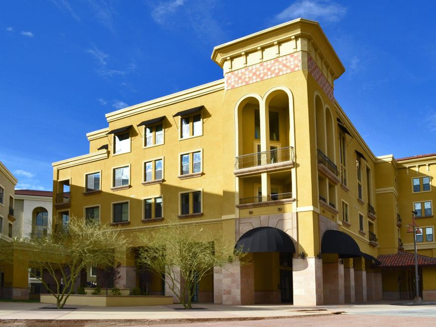 Apartments Near Collins College Broadstone Waterfront for Collins College Students in Tempe, AZ