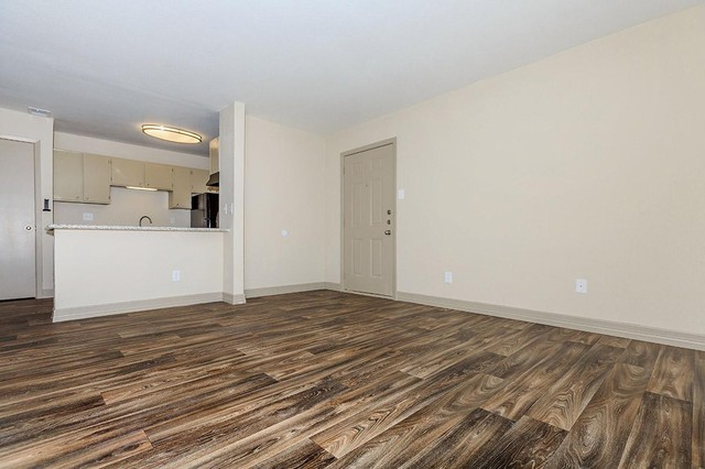 Dallas Apartments For Rent. CoverImage. 185934207. 185934181. 185934149.  185934180