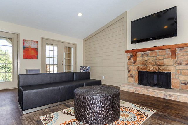Dallas Apartments For Rent. CoverImage. 185934207