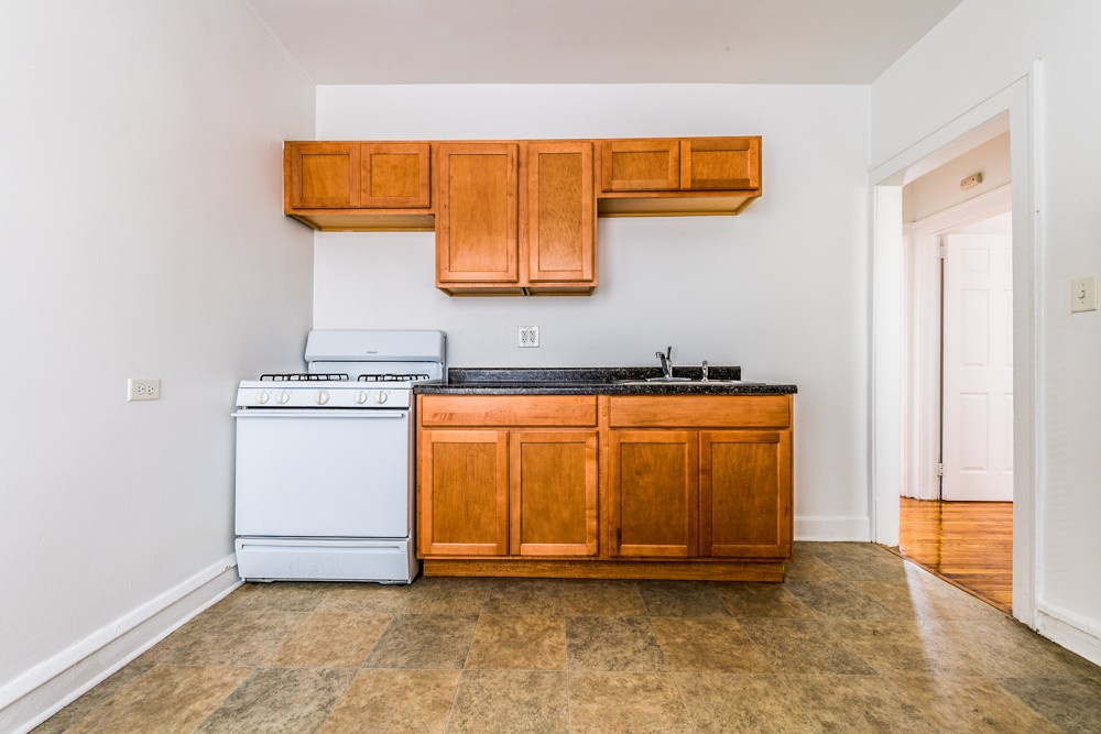 7825 S Emerald Ave rental