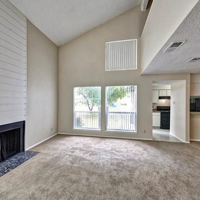 Amberton Apartments: Park On Greenville, Dallas