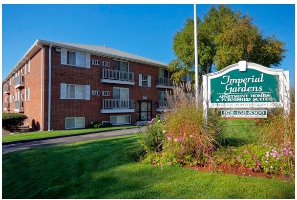 Apartments Near Rivier IMPERIAL GARDENS for Rivier College Students in Nashua, NH