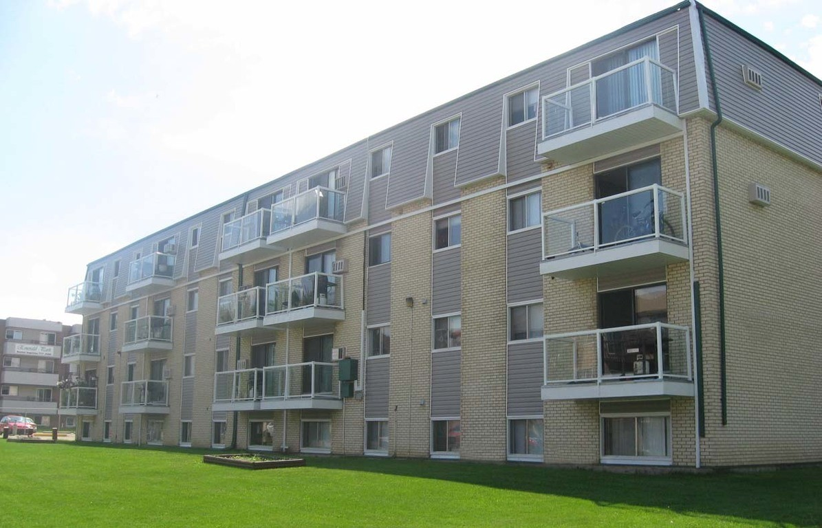 Meadow Green · Apartments For Rent