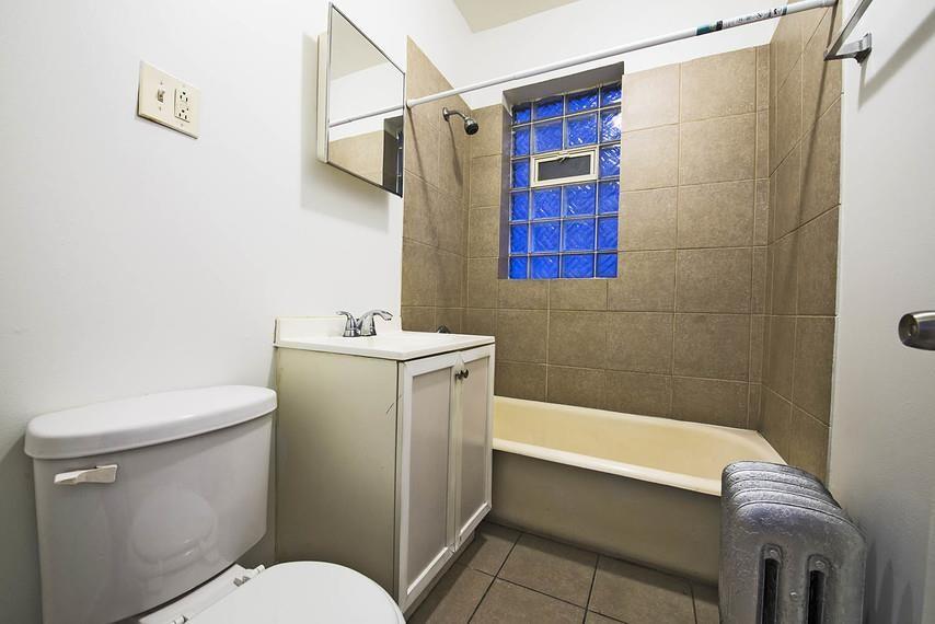 6401-03 S California rental
