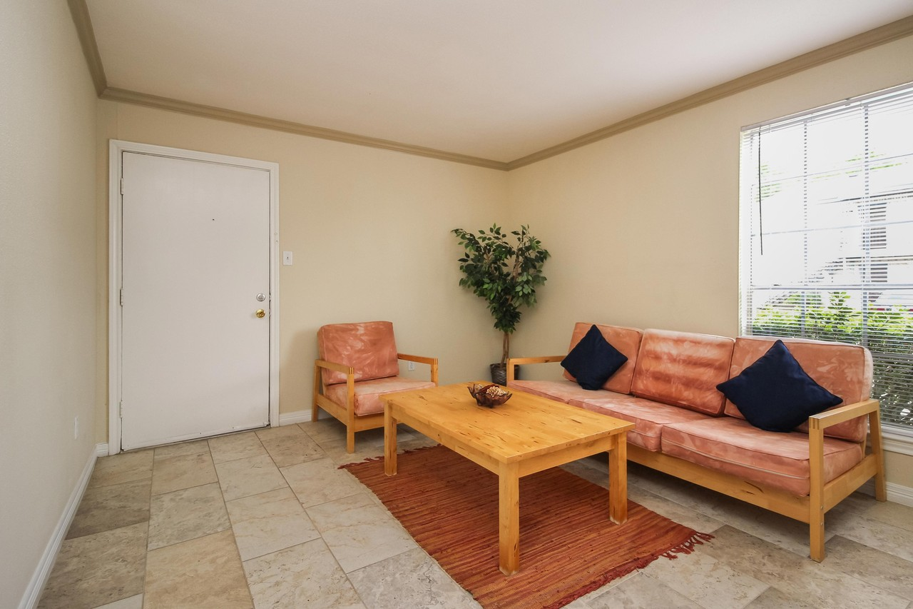 Pine Terrace Apartments for Rent - 3901 Omeara Drive, Houston, TX ...