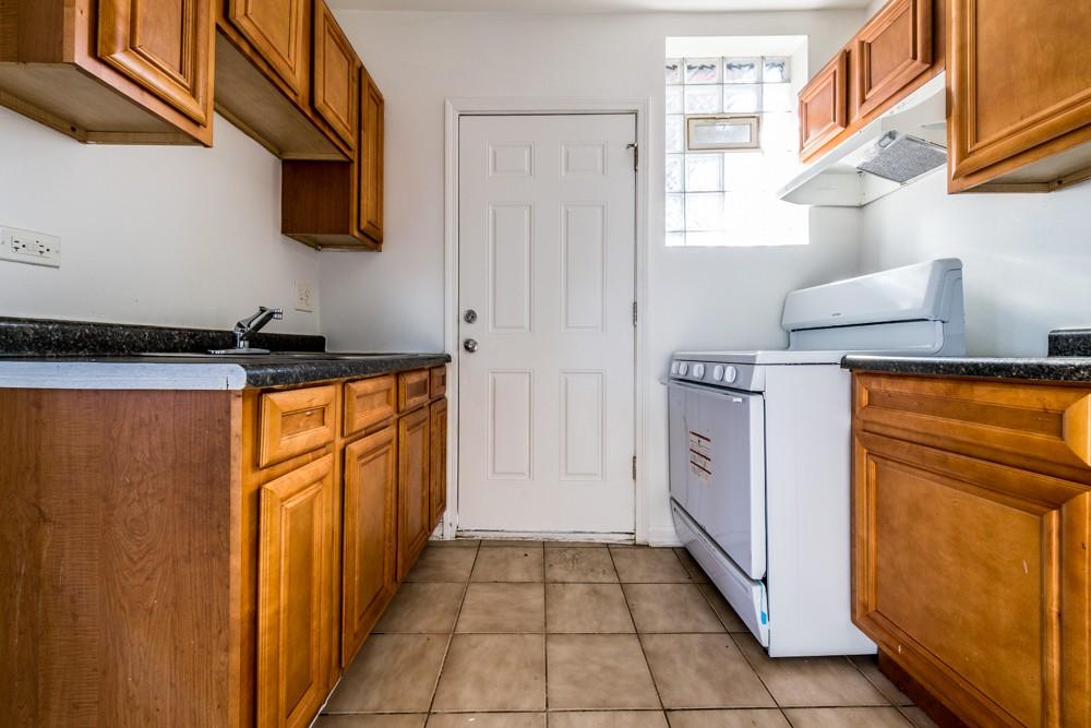 7701 S Stewart Ave rental