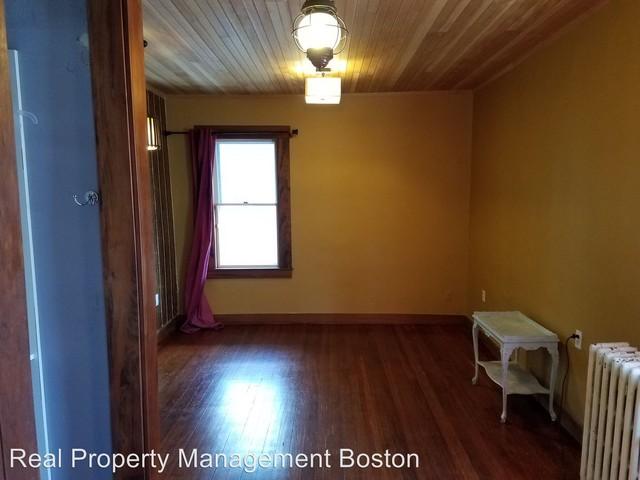 Boston Apartments. CoverImage. 198473656. 198473662