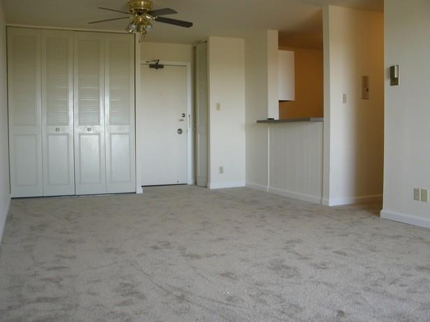 Corsican Apartments, Denver - (see pics & AVAIL)
