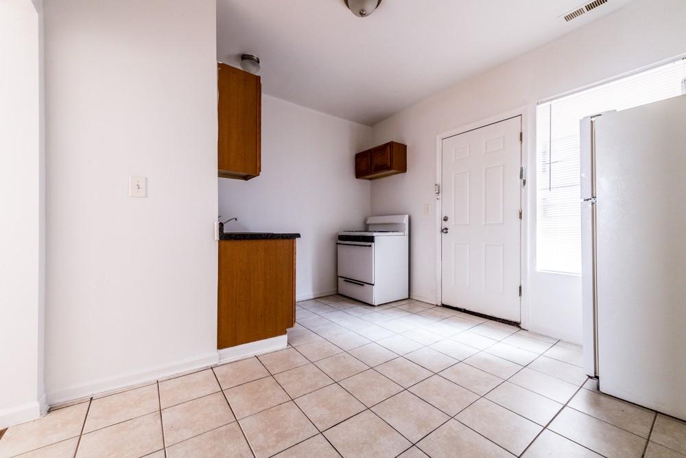 8155 S Maryland rental
