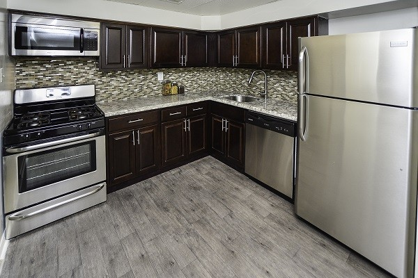 Sherwood Crossing Apartments & Townhomes