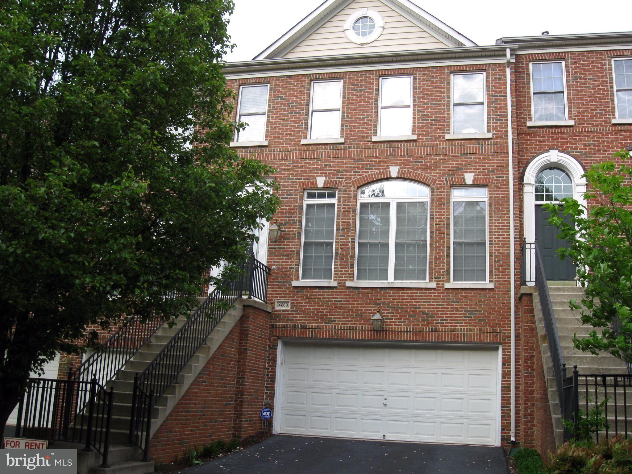 Rothbury Square Fairfax VA Apartment Rental