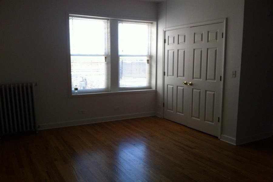 5836-46 W Madison St rental