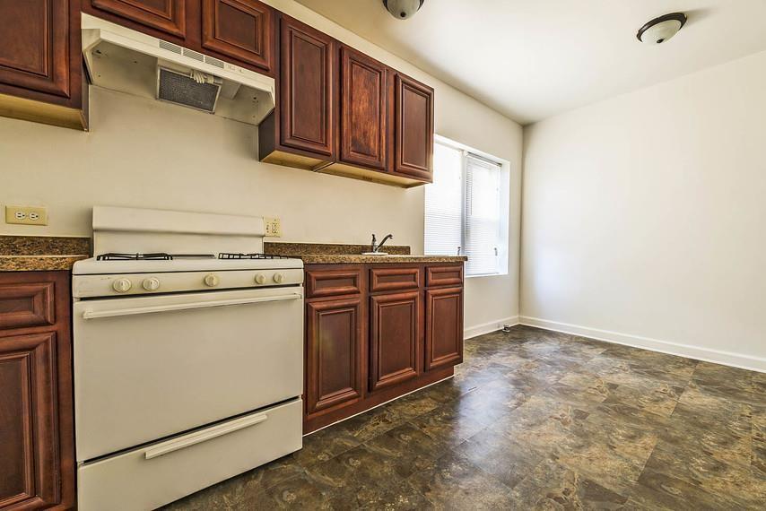 7109-15 S Ridgeland Ave rental