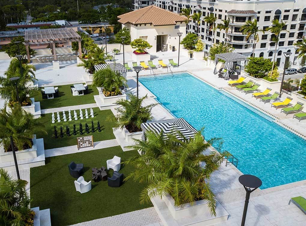 Apartments Near University of Miami AMLI Dadeland for University of Miami Students in Coral Gables, FL