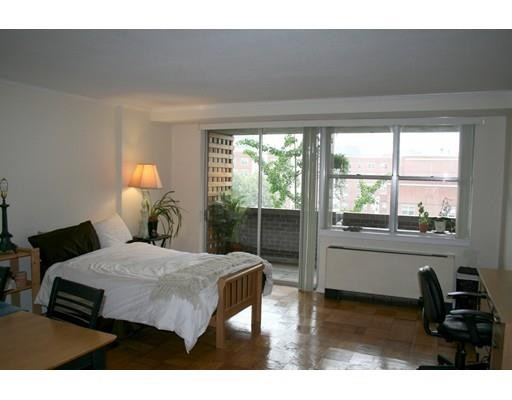 %name What Will $2,000 Rent You In Bostons West End, Right Now?