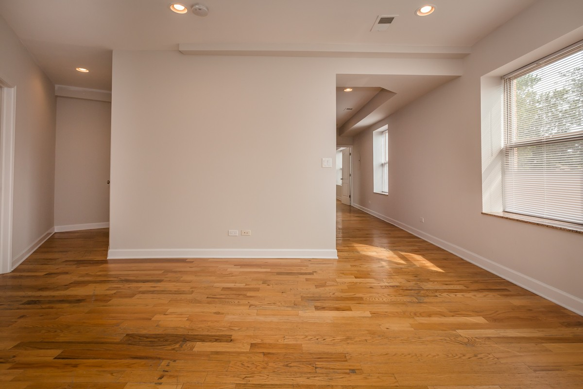 2038 W. Touhy Ave. rental