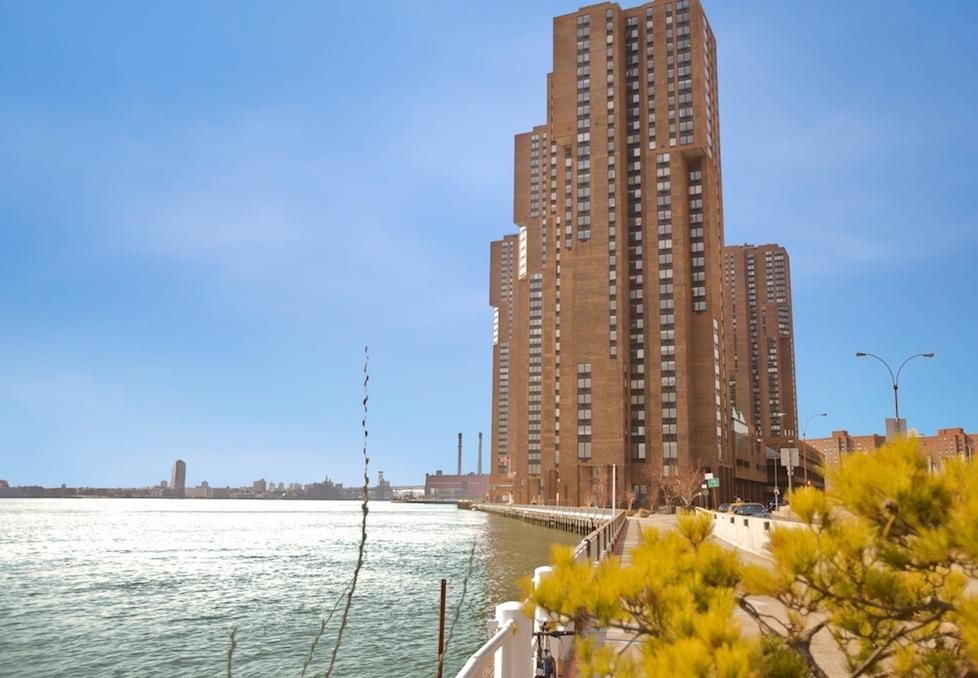 Apartments Near Touro Building 40 for Touro College Students in New York, NY