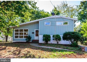 Awesome $2,400 | 3 Beds, 2 Baths. Edison. 26 Porter St